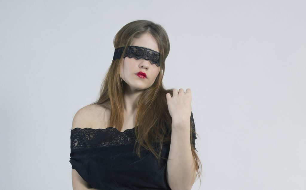 Mujer que no puede ver